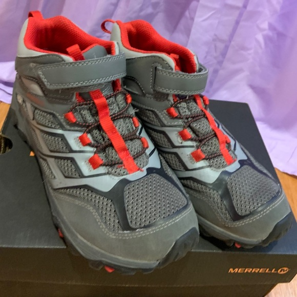 38bfef722ef Boys Merrell Moab boots in excellent condition